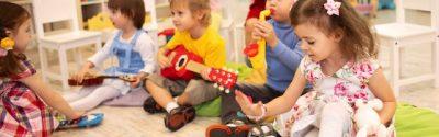 Barn som deltar på Oslo Kulturfabrikks tilbud med musikk for de minste